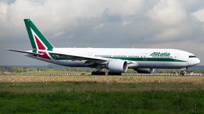 EI-ISA - Boeing 777-243(ER) - Alitalia