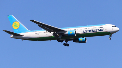 A picture of UK67005 - Boeing 76733P(ER) - Uzbekistan Airways - © Emanuel Schur
