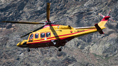 A picture of IWOOD - Leonardo AW139 - [31872] - © Tommi