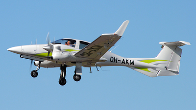 OH-AKW - Diamond DA-42 Twin Star - Private