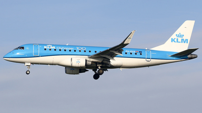 A picture of PHEXX - Embraer E175STD - KLM - © Jeroen Stroes