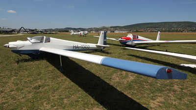 HA-1302 - Scheibe SF.25D Falke - Private