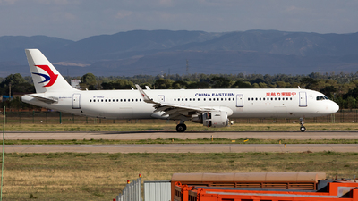 B-8562 - Airbus A321-211 - China Eastern Airlines