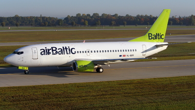 YL-BBS - Boeing 737-31S - Air Baltic