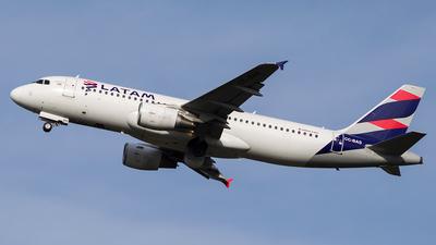 CC-BAS - Airbus A320-214 - LATAM Airlines