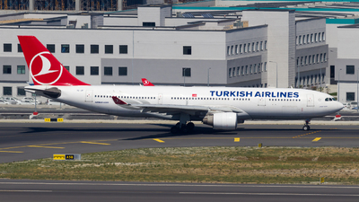 TC-JIP - Airbus A330-223 - Turkish Airlines