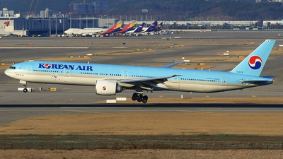 HL8274 - Boeing 777-3B5ER - Korean Air
