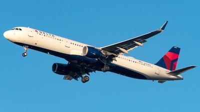 N390DN - Airbus A321-211 - Delta Air Lines