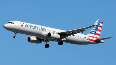 A picture of N902AA - Airbus A321231 - American Airlines - © Alexander Portas