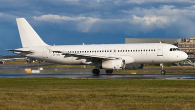 LY-VEN - Airbus A320-233 - Avion Express