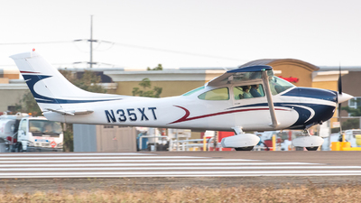 N35XT - Cessna 182Q Skylane - Private