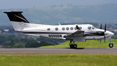 N998BW - Beechcraft 300 Super King Air - Private