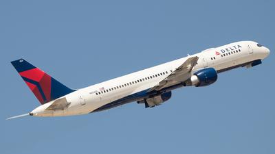 N652DL - Boeing 757-232 - Delta Air Lines