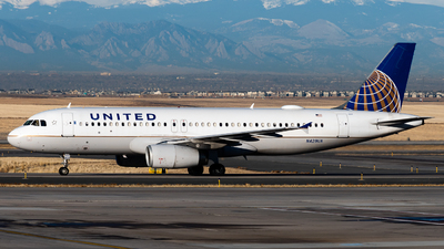 A picture of N429UA - Airbus A320232 - United Airlines - © Michael Place