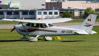A picture of HBCZR - Cessna 172S Skyhawk SP - [172S8499] - © Davide Pernici