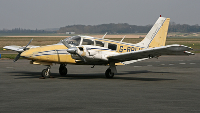 G-BBLU - Piper PA-34-200 Seneca - Private