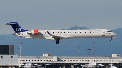 A picture of EIGEF - Mitsubishi CRJ900LR - SAS - © paoloz99
