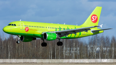 A picture of VPBHV - Airbus A319114 - S7 Airlines - © ArCher