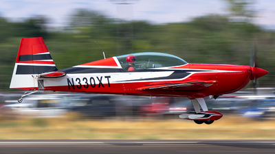 N330XT - Extra 300LC - Private