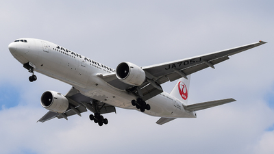 JA705J - Boeing 777-246(ER) - Japan Airlines (JAL)