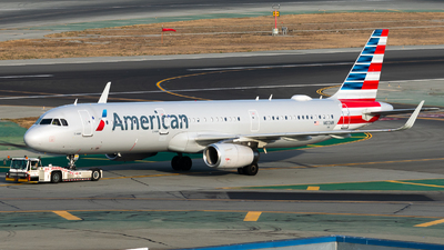A picture of N103NN - Airbus A321231 - American Airlines - © Nick Sheeder