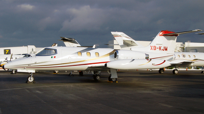 XB-KJW - Gates Learjet 24F - Private
