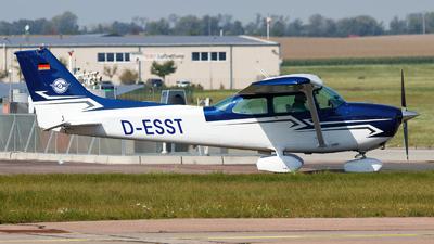 D-ESST - Cessna 172N Skyhawk II - Lips Flugdienst