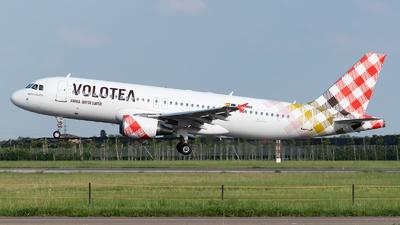 EC-MBK - Airbus A320-214 - Volotea