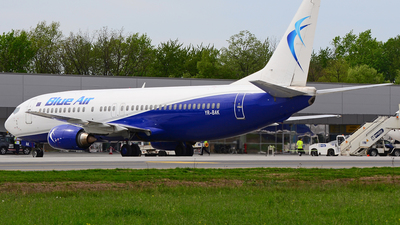 YR-BAK - Boeing 737-430 - Blue Air