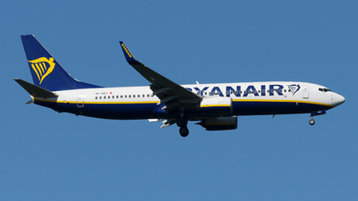 A picture of 9HQAJ - Boeing 7378AS - Ryanair - © paoloz99