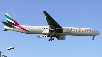 A6-EMW - Boeing 777-31H - Emirates