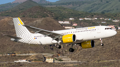 A picture of ECNAY - Airbus A320271N - Vueling - © Photography  Jc  la Palma