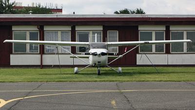 A picture of OKLAN - Cessna 172S Skyhawk SP - [172S10420] - © Moti Shvimer