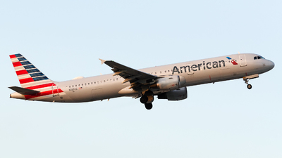 A picture of N187US - Airbus A321211 - American Airlines - © Nito