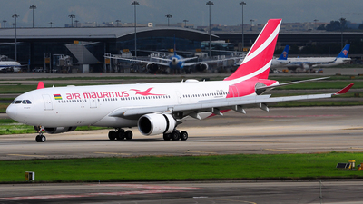 A picture of 3BNBL - Airbus A330202 - Air Mauritius - © Jay Cheung