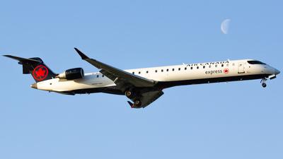 C-GJZV - Bombardier CRJ-900LR - Air Canada Express (Jazz Aviation)