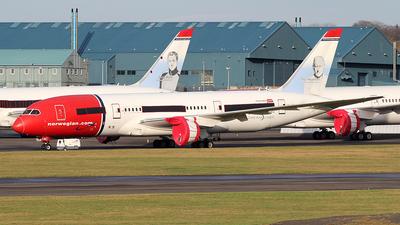 A picture of LNLNB - Boeing 7878 Dreamliner - [35305] - © Ian Howat