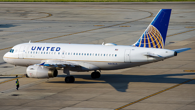 A picture of N843UA - Airbus A319131 - United Airlines - © Lynn Aisin-Gioro