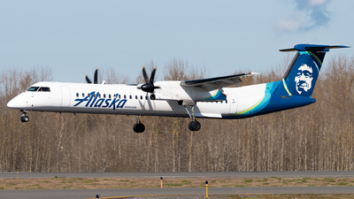 A picture of N436QX - De Havilland Canada Dash 8400 - Alaska Airlines - © Logan m