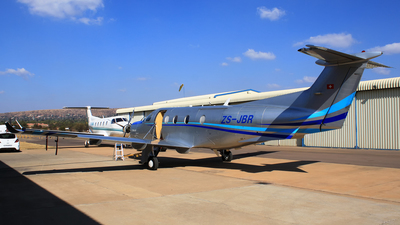 ZS-JBR - Pilatus PC-12/47 - Private
