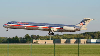 N469AA - McDonnell Douglas MD-82 - American Airlines