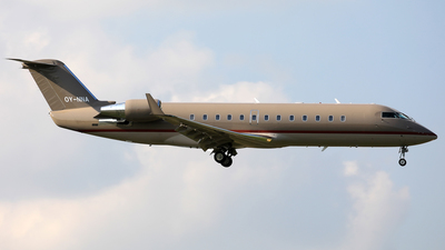 OY-NNA - Bombardier CL-600-2B19 Challenger 850 - ExecuJet Scandinavia