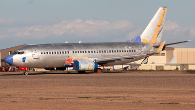 N277XA - Boeing 737-3H4 - Untitled