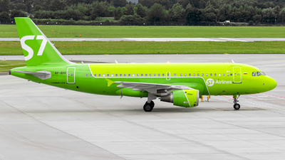 A picture of VPBHK - Airbus A319114 - S7 Airlines - © Pawel Wedrychowicz