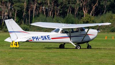 A picture of PHSKE - Cessna 172P Skyhawk - [17274730] - © Dutch