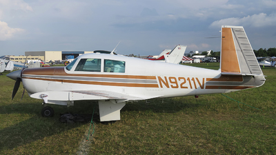 N9211V - Mooney M20C - Private