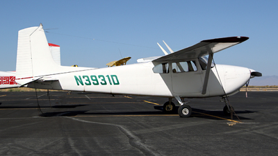 A picture of N3931D - Cessna 182A Skylane - [34631] - © Kevin Porter