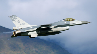 6691 - General Dynamics F-16A Fighting Falcon - Taiwan - Air Force