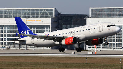 A picture of OYKAO - Airbus A320232 - SAS - © Heidi Wanninger