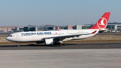 A picture of TCJIS - Airbus A330223 - Turkish Airlines - © Ömür Sadikoglu